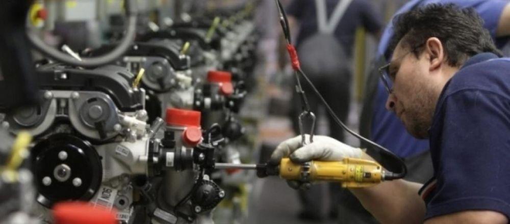 Giugno negativo per l'industria: in calo fatturato e ordinativi