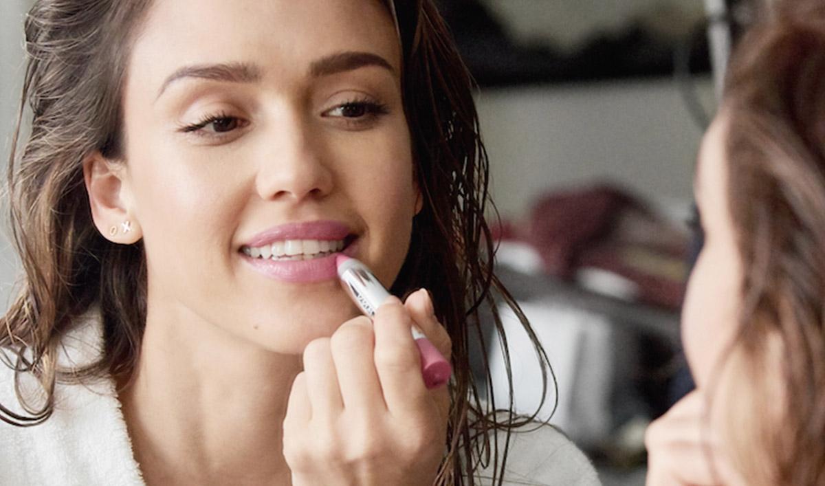 Jessica Alba porta il beauty eco di Honest company in Europa ... d901fb8ceea