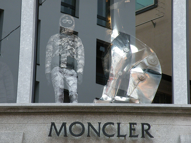 moncler azienda milano