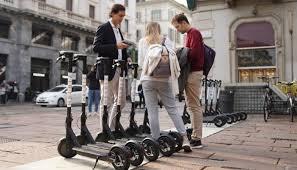 35d9a542e3 --Helbiz, azienda per la micromobilitá elettrica, sviluppo di soluzioni in  sharing e nuove modalitá di trasporto cittadino, che permette agli utenti  di ...