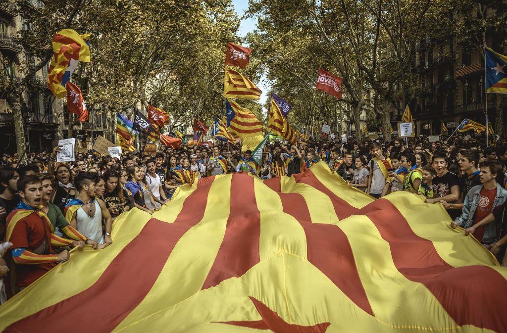 Spagna: Catalogna continuano le manifestazioni, ecco cosa sta succedendo